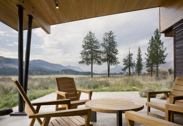 Wolf Creek modern patio