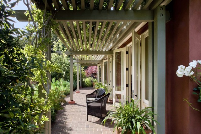 Woodside Guest House traditional-patio