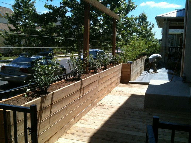 WORK IN PROGRESS-Side yard space contemporary-patio
