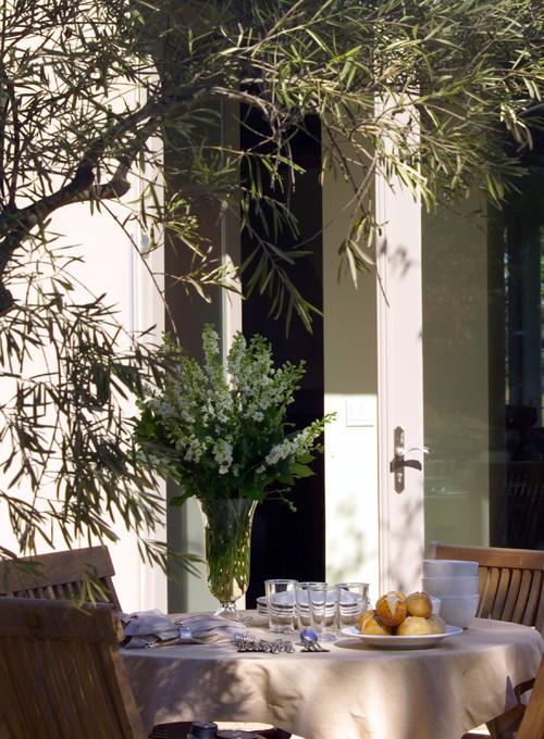 WYboy Ranch contemporary patio