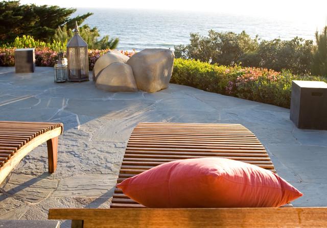 Zuma Beach tropical-patio
