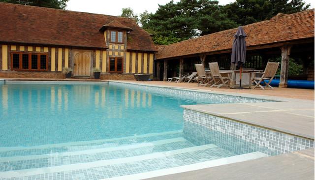 Piscina color bizancio gris renolit alkorplan3000 casa for Casas de campo con piscina