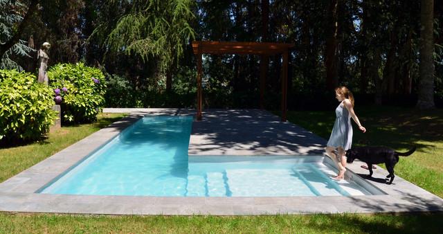 Piscina en casa casa con piscina en un entorno rural foto for Piscina municipal casa de campo