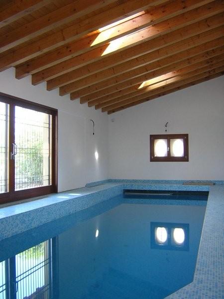 Casa unifamiliare con piscina interna localit breda di piave - Piscina interna casa prezzi ...