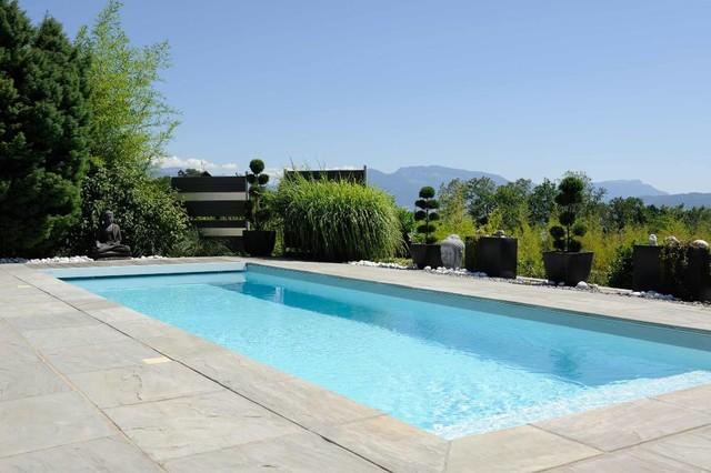 Am nagement ext rieur zen contemporain piscine lyon for Amenagement exterieur piscine jardin