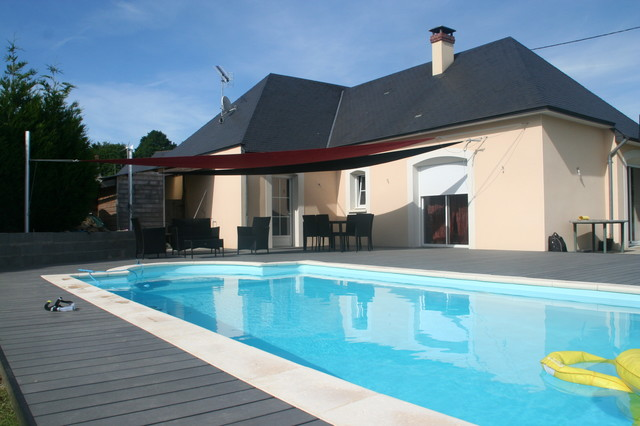 Am nagement plage de piscine moderne piscine angers - Amenagement piscine design saint etienne ...