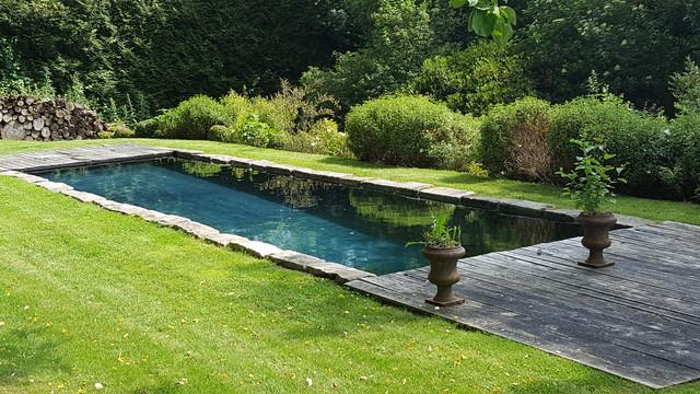 Couloir de nage design vieux bassin en normandie - Construire couloir de nage ...