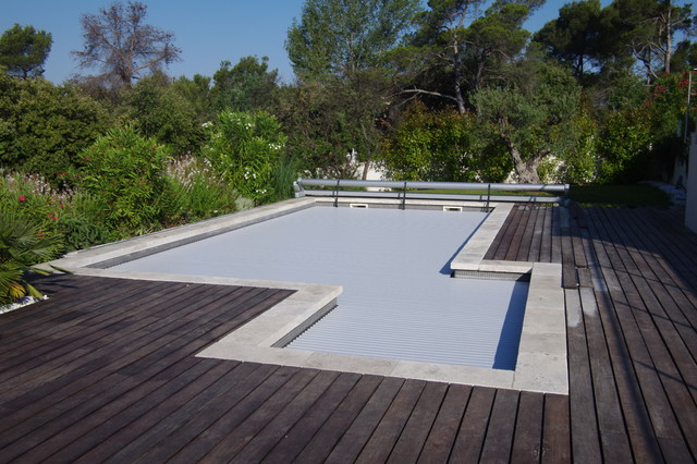couverture de piscine hors sol forme sp ciale moderne piscine marseille par silver pool. Black Bedroom Furniture Sets. Home Design Ideas
