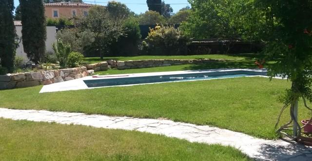 Cr ation de spa d bordant dans la piscine for Creation de piscine