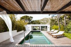Comment faire des économies quand on a une piscine ?