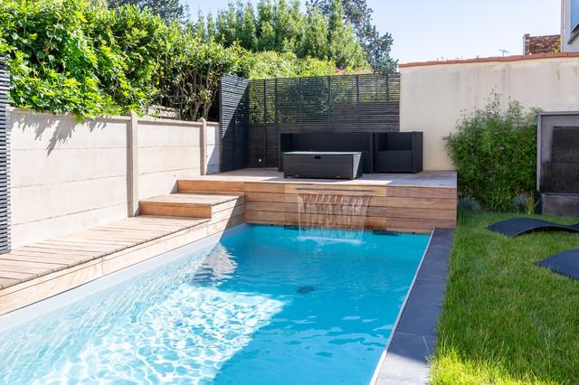 EN COURS - Aménagement d\'un jardin d\'un jardin de ville avec piscine
