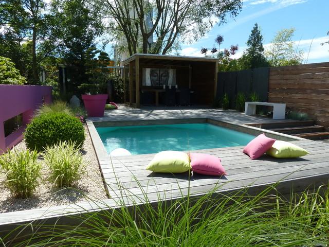 jardin d 39 exposition moderne piscine strasbourg par les nouveaux paysagistes. Black Bedroom Furniture Sets. Home Design Ideas