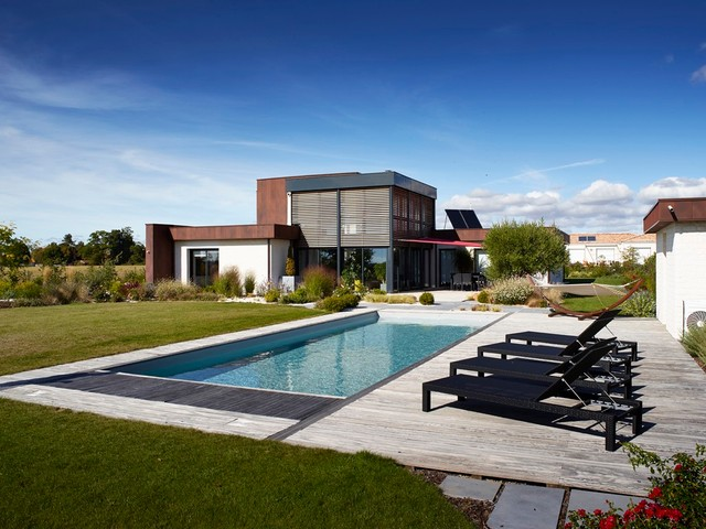 Jardins contemporains contemporary pool nantes by preaud paysagiste for Jardin contemporain