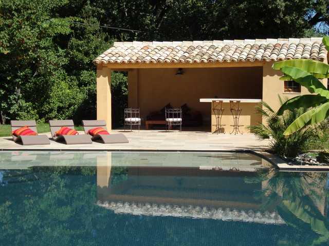 Le pool house de la piscine for Construction pool house piscine