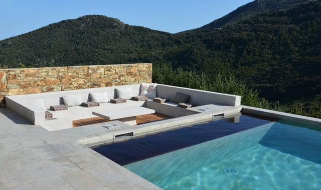 Maison a partine for Table de piscine
