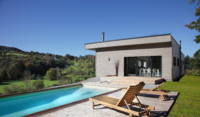 maison bois contemporaine contemporaneo piscina digione di myotte duquet habitat. Black Bedroom Furniture Sets. Home Design Ideas