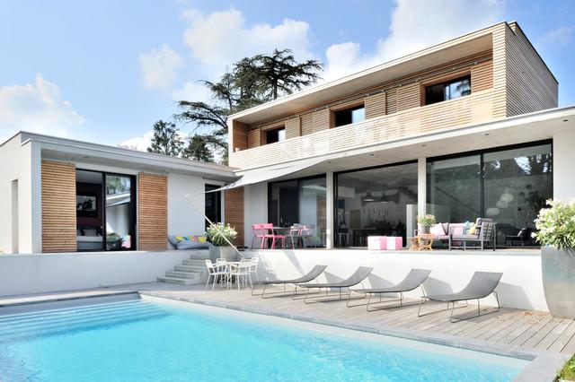 Maison contemporaine en béton à Charbonnières - Contemporary ...