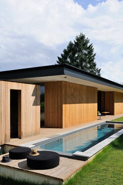 Maison tir e contemporain piscine lyon par barr s for Piscine couverte lyon