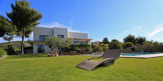 mobilier mycroisette contempor neo piscina other metro de garrigos design. Black Bedroom Furniture Sets. Home Design Ideas