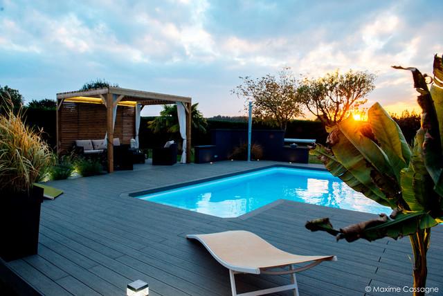 Modernisation d 39 un espace piscine et de ses abords - Jardin paysager contemporain design ...