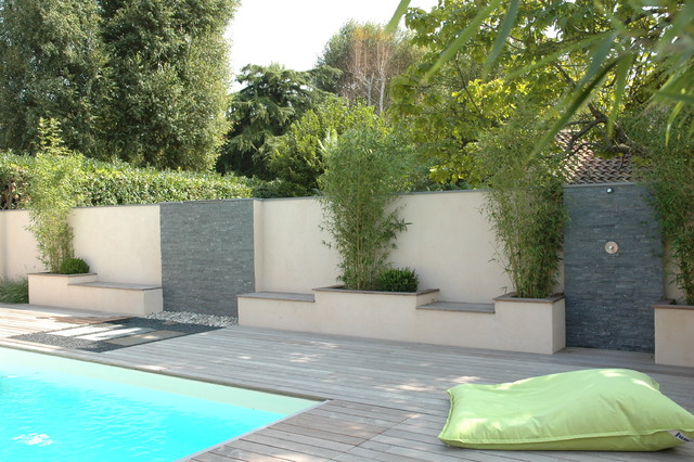 Mur d 39 eau contemporain piscine other metro par for Piscine tendance