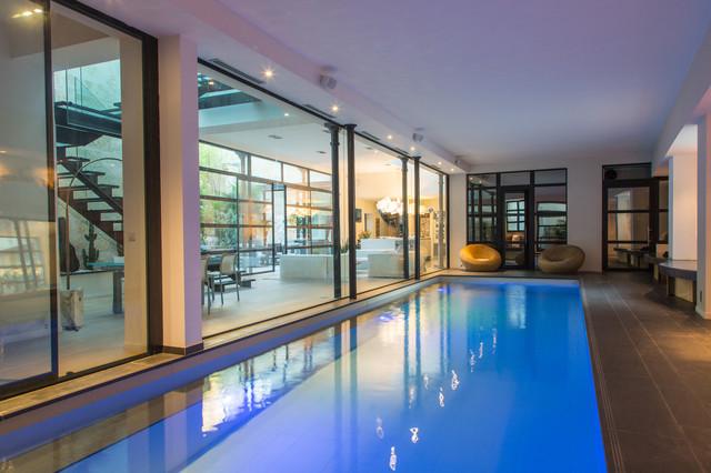 Photos loft moderno piscina par s de autour d 39 une for Loft modernos exterior