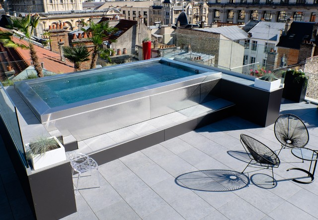 Piscine inox hors sol sur terrasse contemporain for Piscine look design