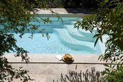 11 solutions pour créer une zone d'ombre près de la piscine