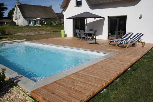 plage de piscine en douglas freedeck contemporain piscine nantes par freedeck. Black Bedroom Furniture Sets. Home Design Ideas