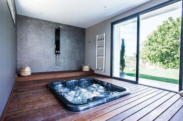 r novation et extension d 39 une grange contemporain piscine dijon par godart roussel. Black Bedroom Furniture Sets. Home Design Ideas