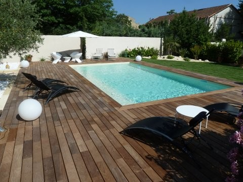 Terrasse bois exotique cumaru contemporain piscine for Piscine bois nice