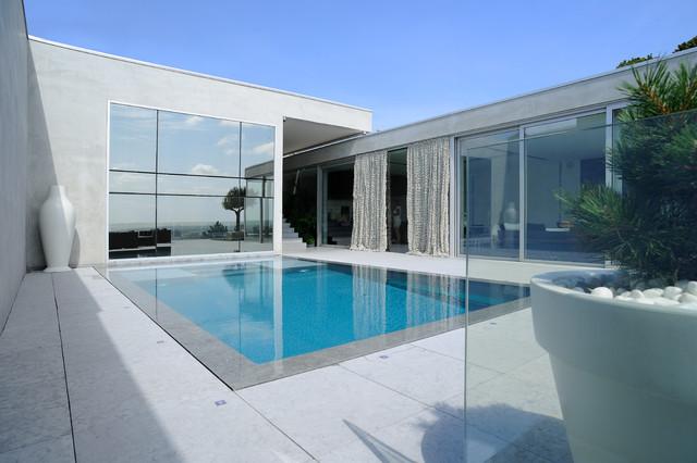 Villa caluire for Piscine design caluire