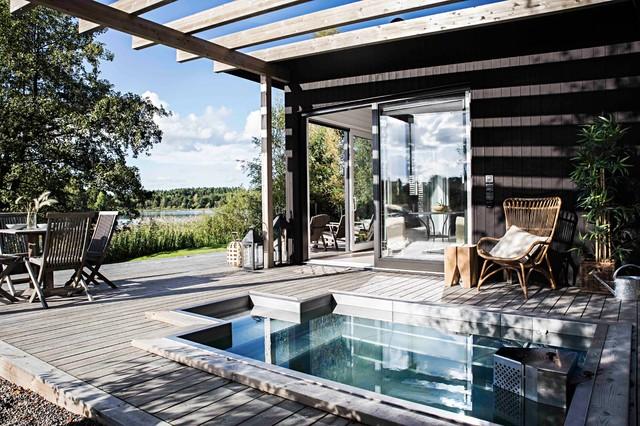 Skandinaviska sommarvillor skandinavisk-pool