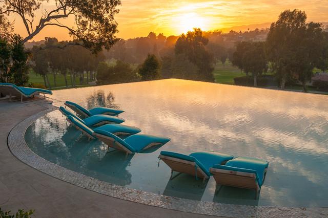 2009 La Mesa contemporary-pool