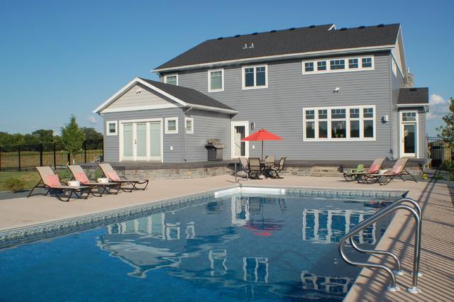 2012 Moorhead Home traditional-pool