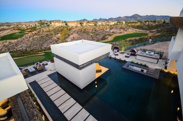 2013 New American Homes contemporary-pool