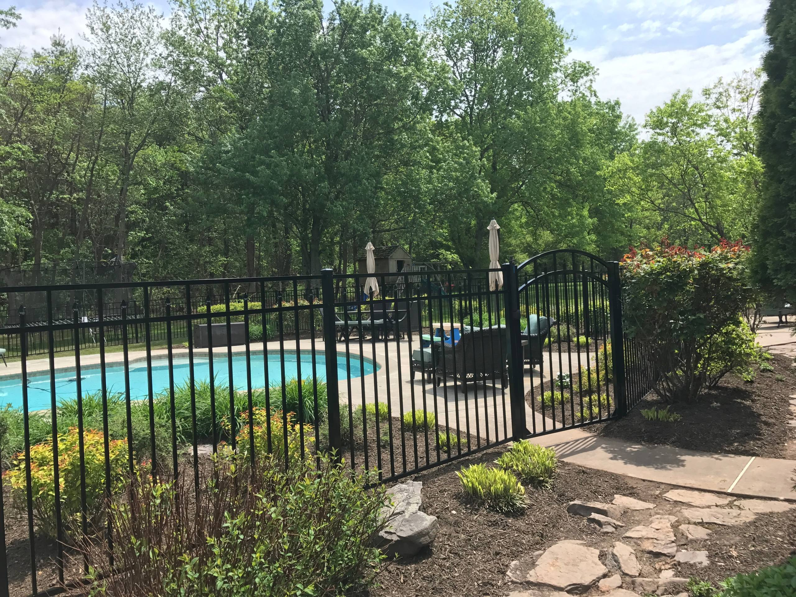 Aboveground Pool Fence Ideas Houzz