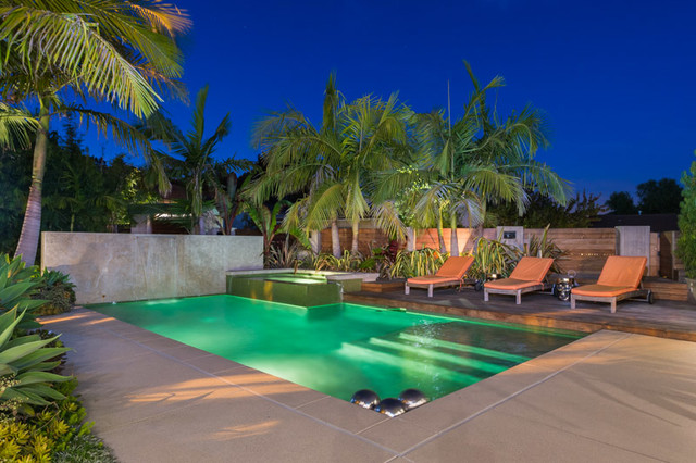 7104 Macapa Dr. contemporary-pool