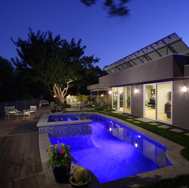 Academia modern-pool