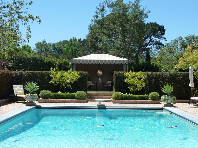 Acanthus Design traditional-pool
