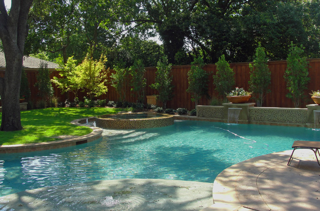 ACTON RESIDENCE contemporary-pool