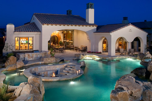Pool with Sunken Fire Pit Design