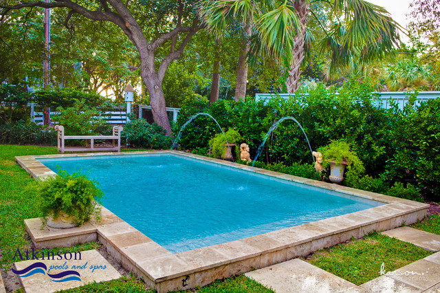 Pretty backyard small pool dreamy backyards pinterest for Pool design houzz