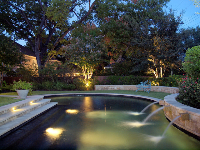 Austin Pemperton Heights traditional-pool