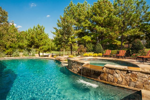 Backyard Fun traditional-pool
