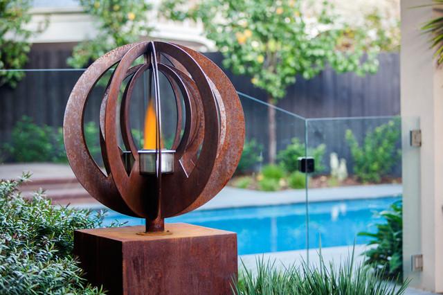 Backyard garden sculptures metal art modern pool for Outdoor pool sculptures