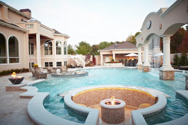 Luxury Backyard Pools : Backyard Luxury Resort