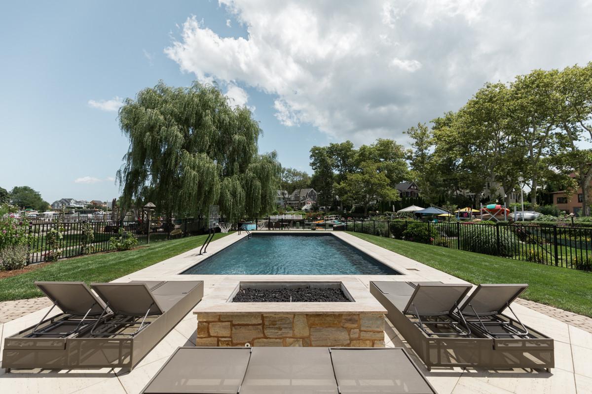 Beach House - Backyard Pool