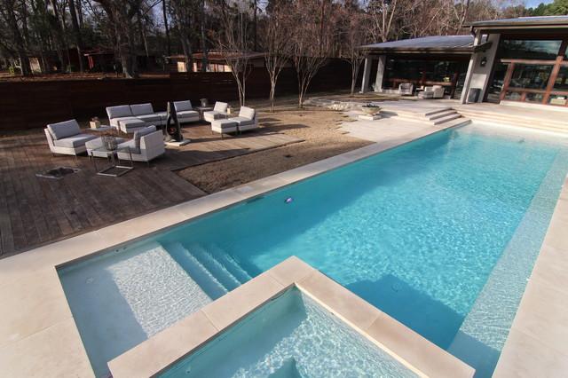 Beatuiful modern style swimming pool on lake tyler for Modern swimming pool