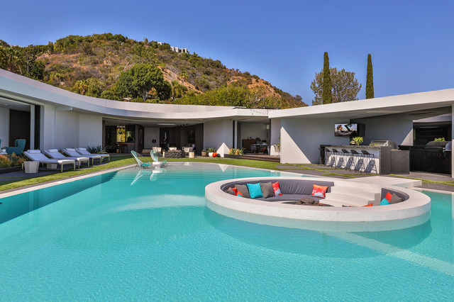Beverly Hills Bachelor Pad contemporary-pool